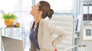 腰痛になりやすい寝方や姿勢は? 正しい姿勢を知って腰痛を解消!