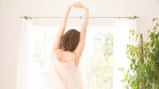 背中に痛みに効果的なストレッチと予防法
