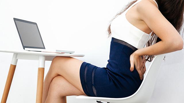腰痛予防に効果がある座り方と腰痛が和らぐ椅子やクッションの選び方