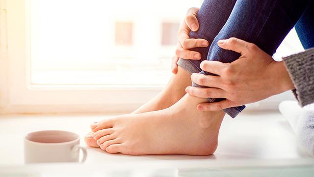 腰痛からくる足のしびれの原因と対処法