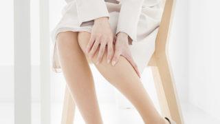 こむら返り(足がつる)が起きる原因は何? 対処法・予防法と共に紹介します。