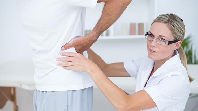 骨盤の歪みの原因と症状のチェック方法や対処法を解説