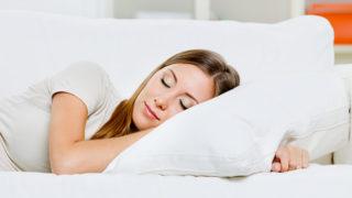 自分に合った枕を! 肩こりに悩まない3つの枕の選び方