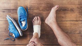 捻挫で足首を痛めたときに必要となる正しい処置方法
