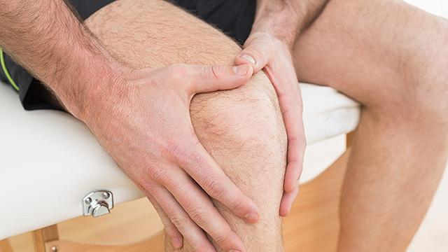膝の痛みの危険な症状