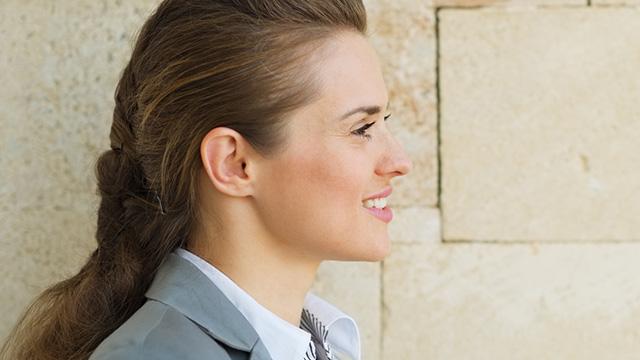 嫌な二重あごをスッキリ改善する効果的な対策