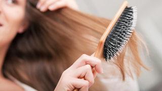 産後の抜け毛で悩んでいませんか?  脱毛の原因と対策方法を紹介!