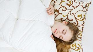 睡眠中の頭の位置が重要?! 肩こりを解消してくれる枕の選び方