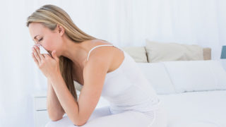 朝に出るくしゃみの原因や対処法とは? ~快適な朝を迎えるために~