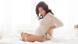 つらい! 妊婦さんの腰痛対策や原因ごとの解消法・注意点について