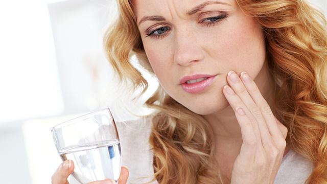 歯がしみる原因と最新の治療法まで詳しく解説!