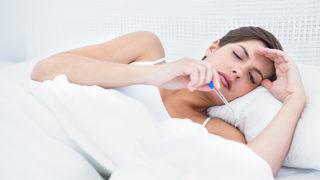 便秘が原因で微熱が出るって本当? 熱が出る理由や対策を紹介!