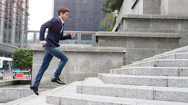 階段の昇降運動