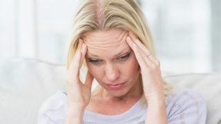「こめかみが痛い」は単なる頭痛じゃない? 原因と対処法を徹底検証