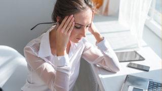 緊張型頭痛の原因は? 予防・解消に役立つ3つのポイント