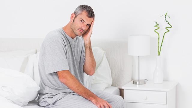 寝起きの頭痛は何が原因? 朝に起こる頭痛の対処法などを徹底解析
